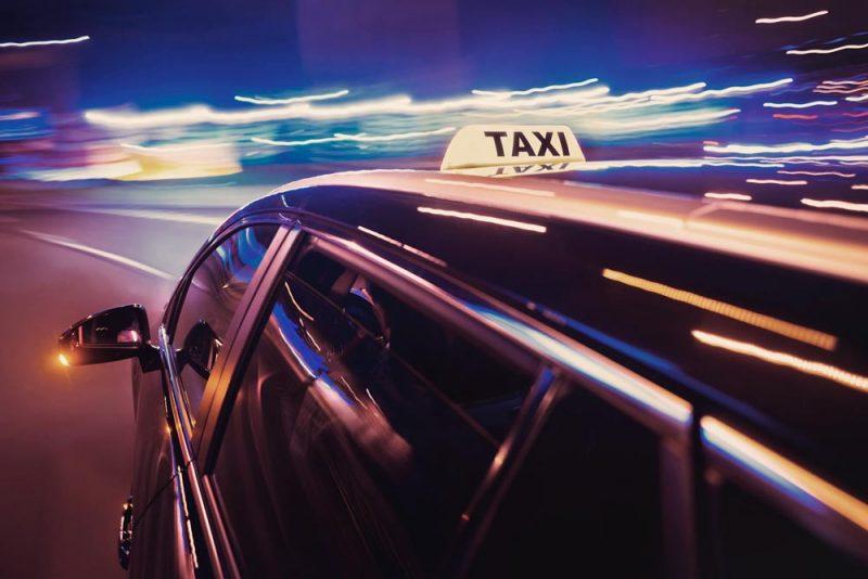 Taksi ajossa